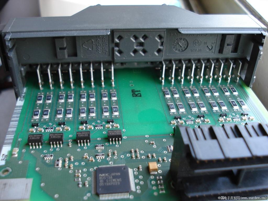 西门子s7-300plc的di和do模块照片