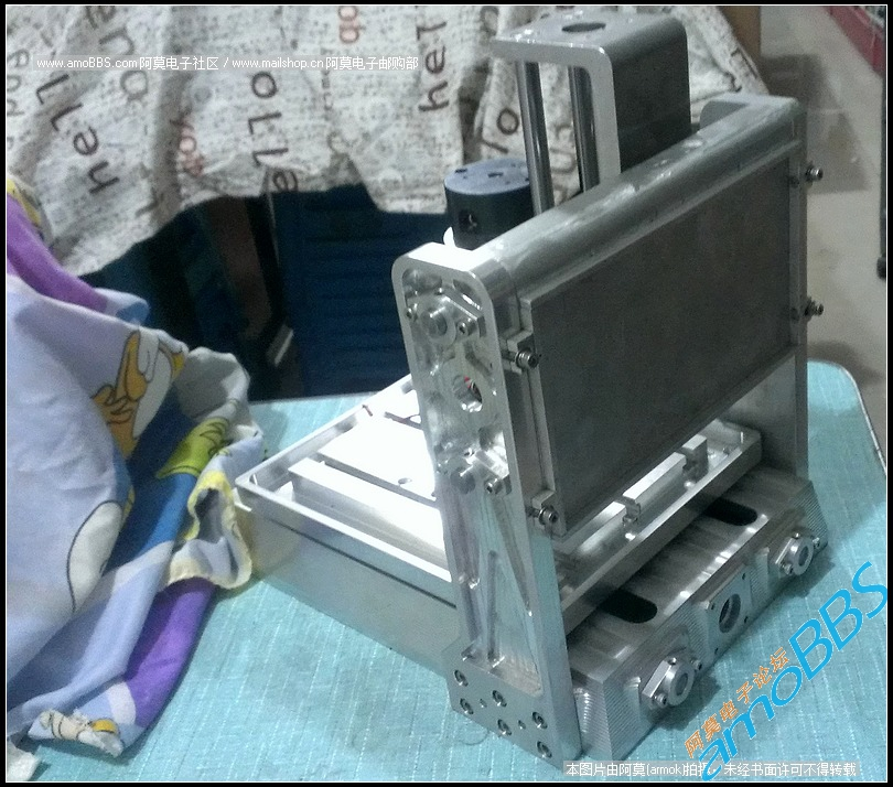 04 背视图:工程样机图,丝杠与步进电机、防尘罩没安装.jpg